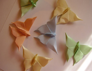 come fare una farmalla origami