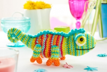 How to Crochet a Triceratops Dinosaur - YouTube | 306x458