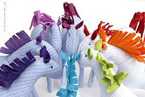 Pupazzo cavallino imbottito – Tutorial · Fare leggings per ... 18ece95030c6