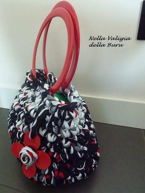 Come fare borsa uncinetto con fondo rigido tutorial for Schemi borse uncinetto