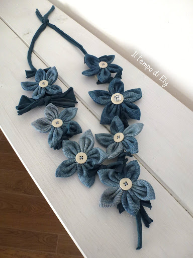 Tutorial riciclo creativo come fare collana di fiori da for Idee quadri fai da te