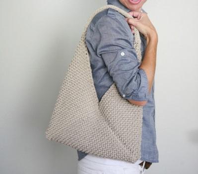 Come fare una borsa ripiegata a maglia o uncinetto… …davvero facile  basta fare  una striscia b4ec03cfafee