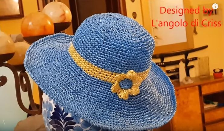 ... Espositore per cappelli fai da te – Tutorial · Cappello a tesa larga a  uncinetto  Video Tutorial · Cappello modello turbante a uncinetto  Schema e  ... b57aac1edd6c