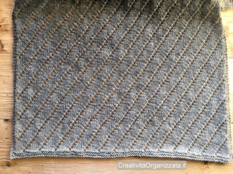 visione lavorazione sciarpa a maglia